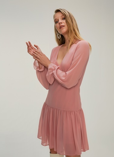 NGSTYLE Volan Detaylı Mini Elbise Pudra